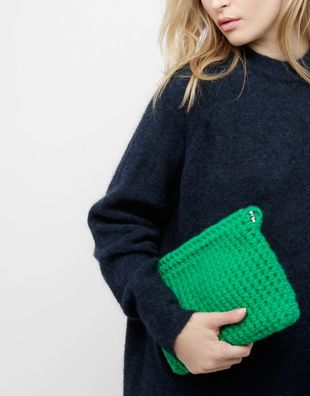 Cozy up clutch.jpg20180518 156 99d4xg