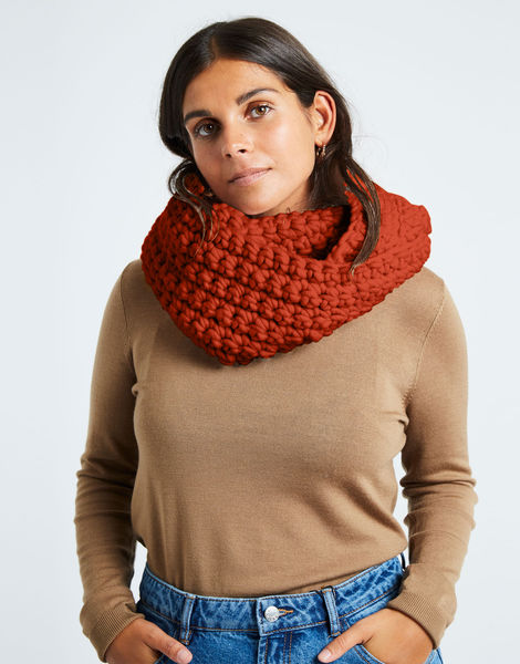 Celebration snood csw red ochre