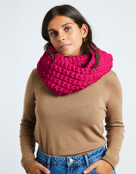 Celebration snood csw hot punk pink