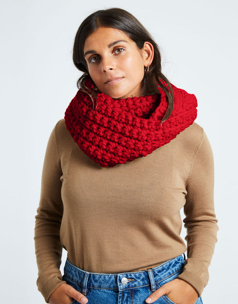 Celebration snood csw true blood red
