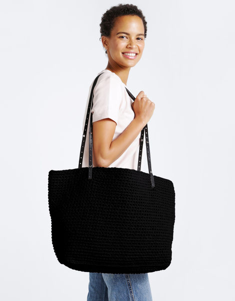 Carrie on tote mt cinder black