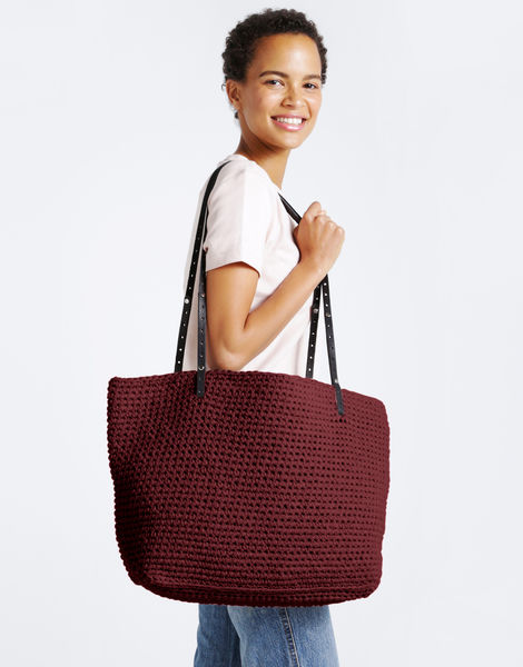 Carrie on tote mt marguaxred %281%29