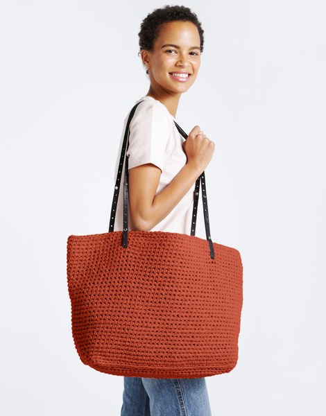 Carrie on tote mt cinnamon dust