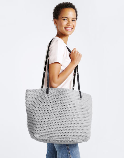 Carrie on tote mt moonbeam