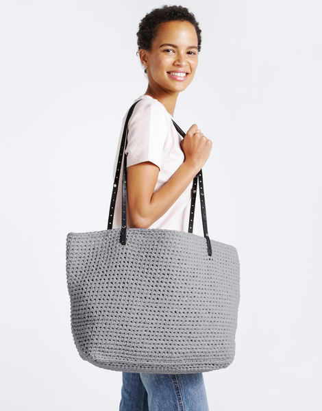 Carrie on tote mt joggrey