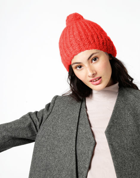 Knit it better beanie tcm lipstickred