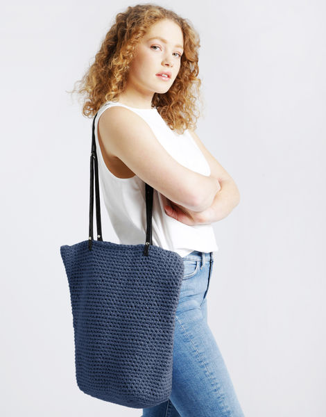 Totally tote mt nautical navy