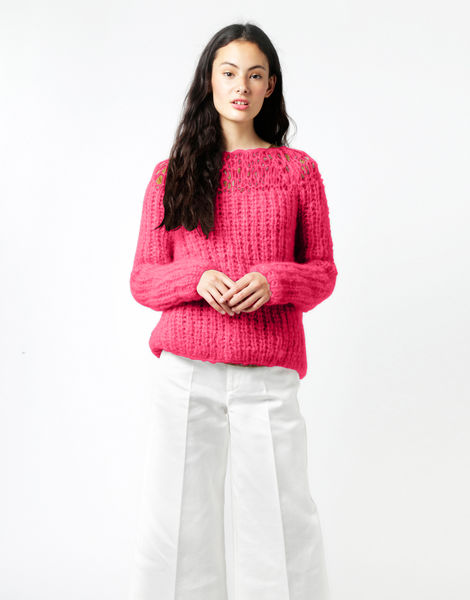Unapologetic sweater tcm hot punk pink