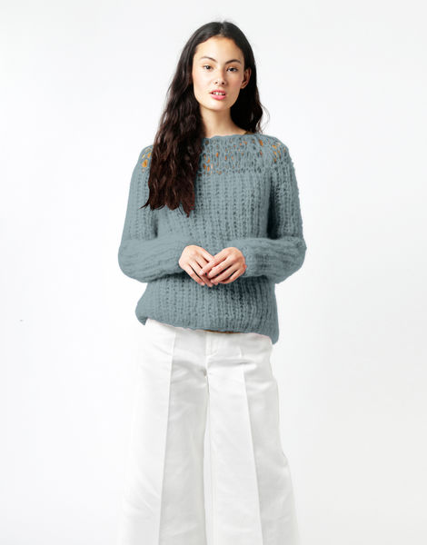 Unapologetic sweater tcm blue chalk