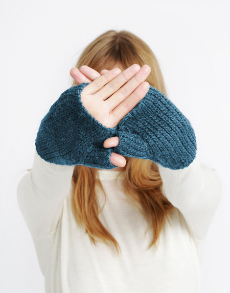 Full of love mittens sba quetzel green