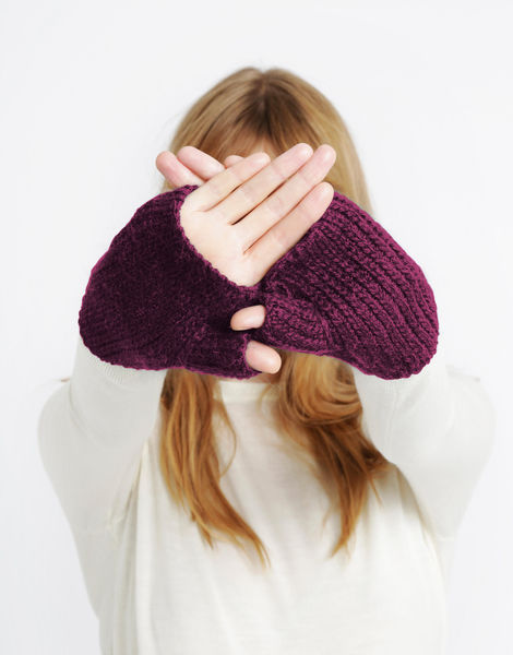 Full of love mittens sba margaux red