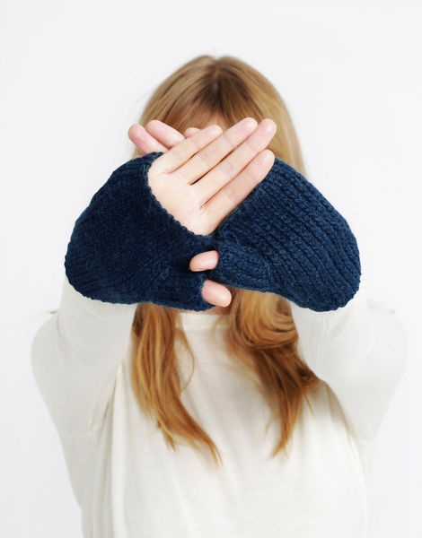 Full of love mittens sba curasaoblue