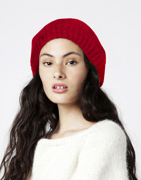 Rock steady beanie2 fgy lipstick red