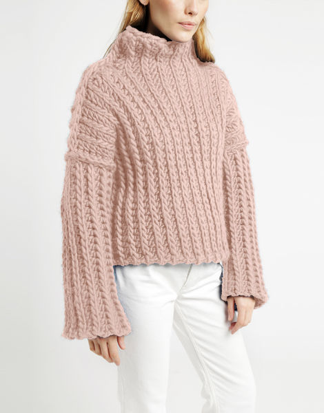 Heart of mine sweater csw cameo rose