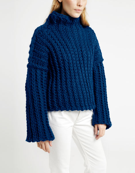 Heart of mine sweater csw curasao blue