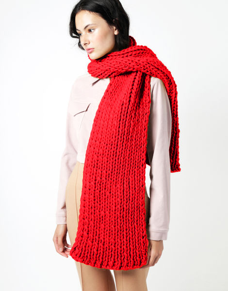 Maxi whistler scarf csw lipstick red