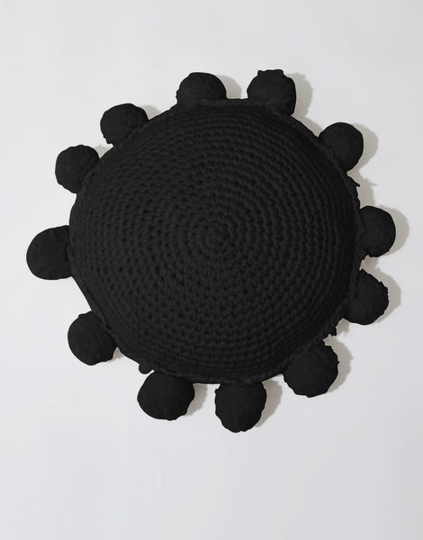 Circle game cushion csw space black