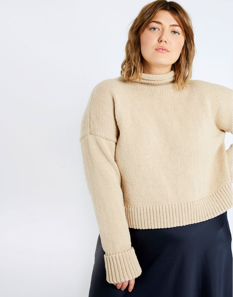 Holiday sweater sty beige 01