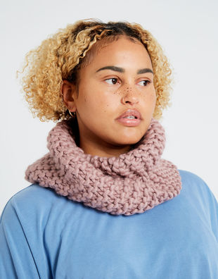 Snood operator 01 index