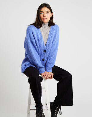 Elizabeth cardigan am cornflower blue 10